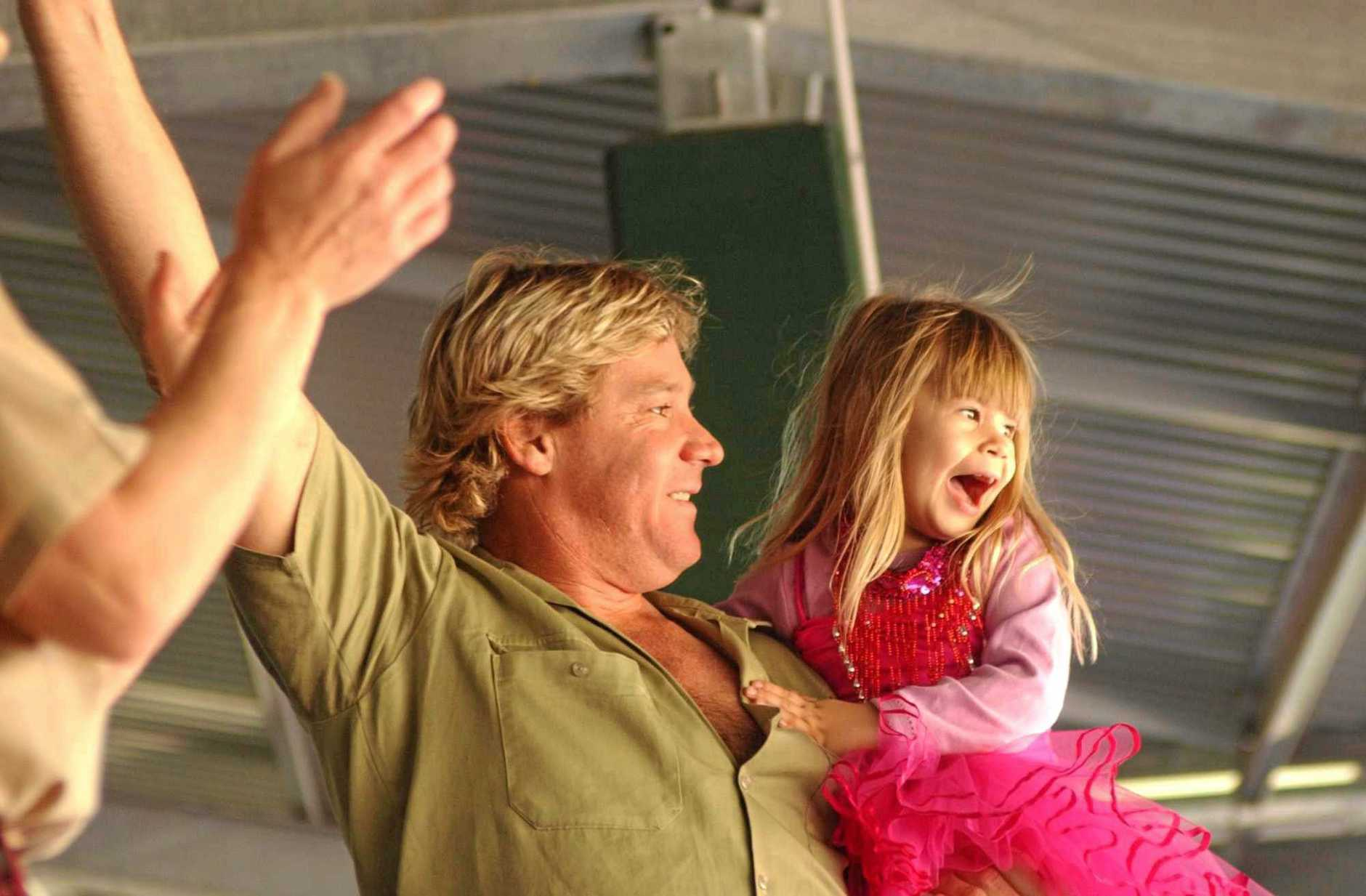 25/07/02      111221Steve Irwin and his daughter Bindi celebrate  her 4th  birthday celebrations at Australia Zoo.