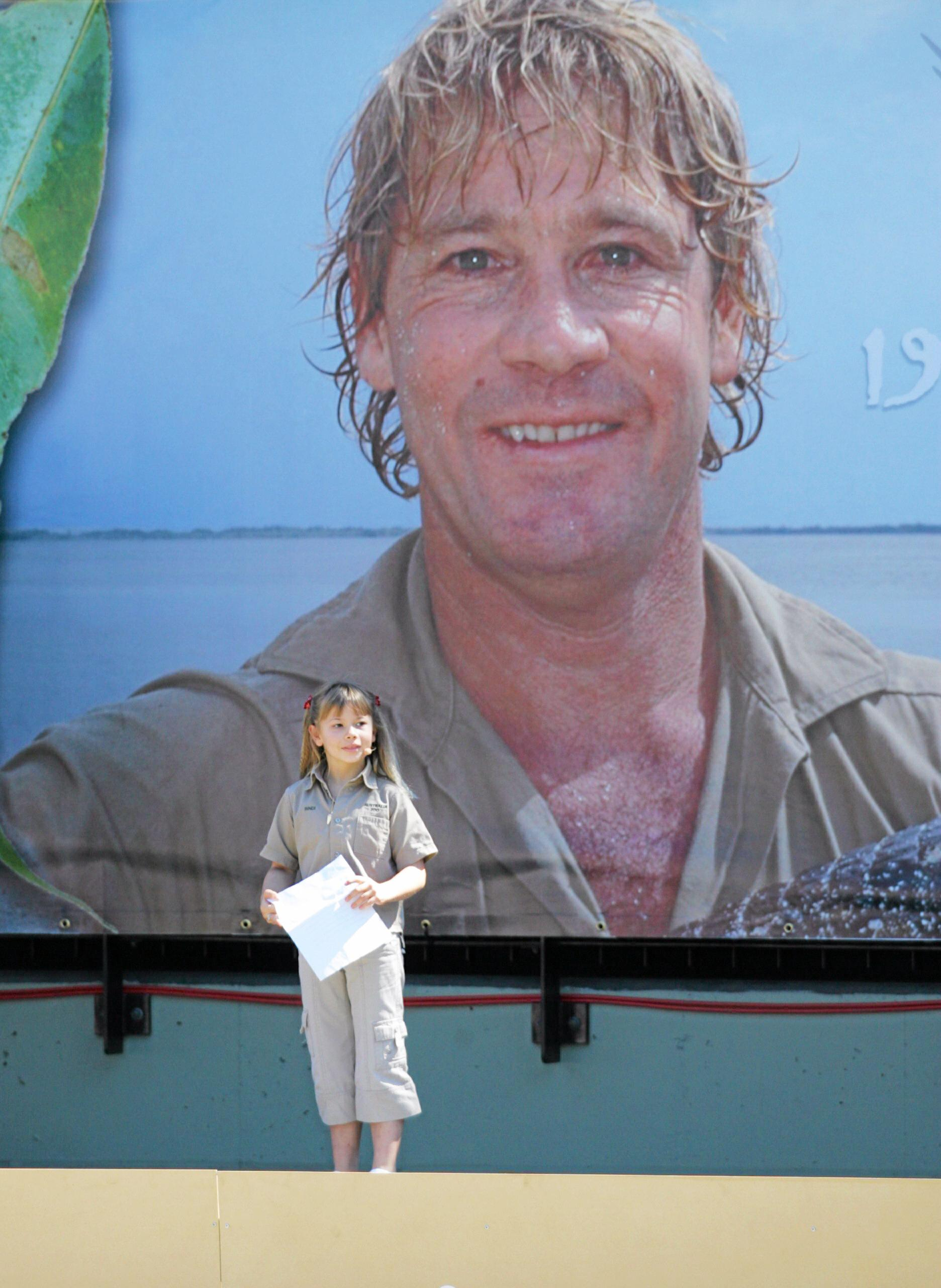 Bindi Irwin pays tribute to her father at his memorial 10 years ago.