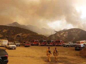 Massive wildfire threatening 1,500 homes north of LA