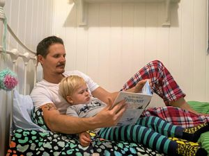 Dads read to children a different way