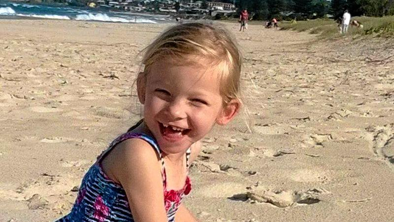 The family of six-year-old Lennox Head girl Sienna Tippett have applied for Immigration Minister Peter Dutton to intervene so she doesn't get deported for having an undiagnosed mystery illness.