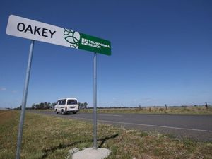 Scientists front Oakey public over water crisis