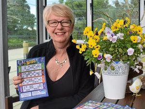 Bill busting bingo blast for Chatsworth prize winner
