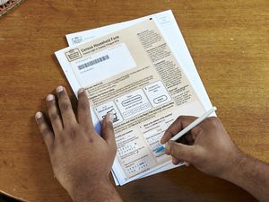 Will I be fined if I can't fill out Census form online?