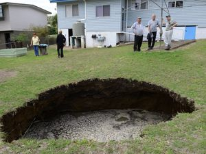 More land falls into sink hole