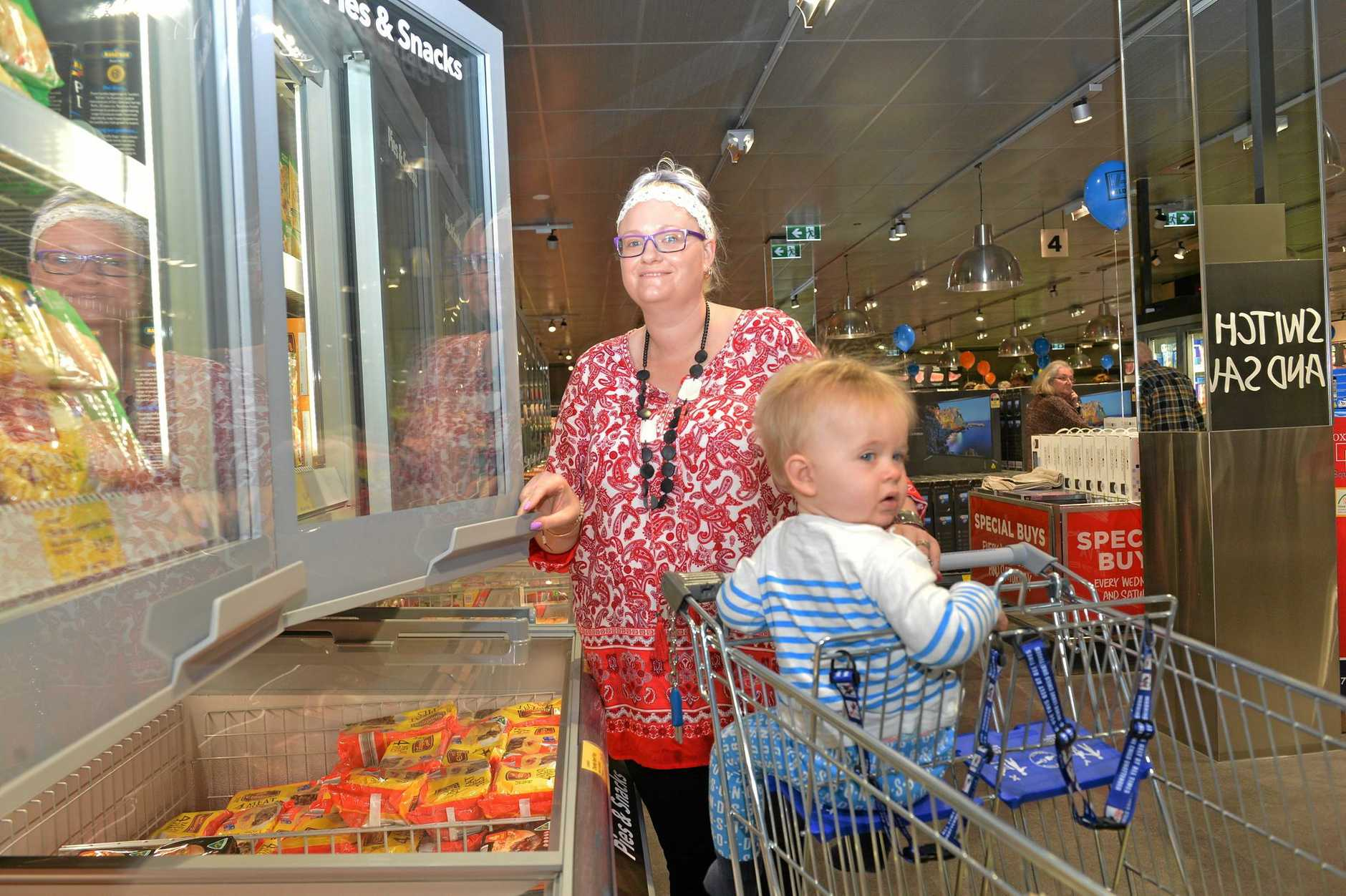 GROCERY SHOPPING: Rebecca and Nate Smith at the new Aldi store at Bundaberg Plaza on Maryborough St.Photo: Paul Donaldson / NewsMail