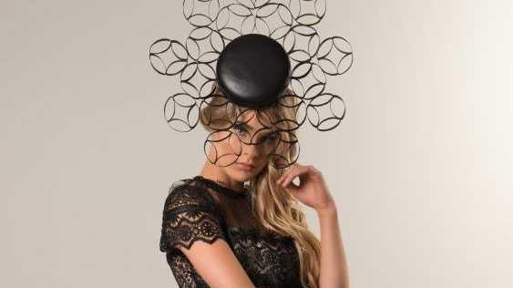 Model: Piper Neuendorf, Photographer: Leslie Dean McEwan, MUA: Jenna Quast