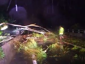 Out of town SES crews assist with massive storm clean up