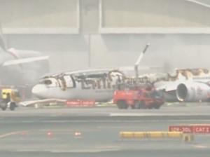 Emirates plane crash lands