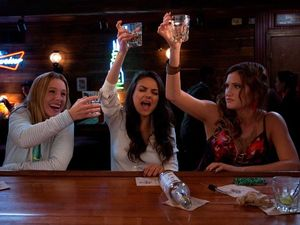 MOVIE REVIEW: Bad Moms paints a shallow picture