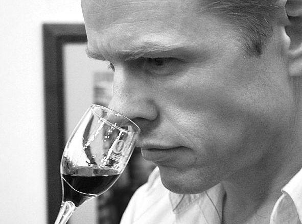 Read more of Regan Drew's wine reviews at vinonotebook.com