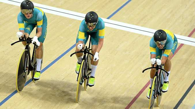 BRAVE EFFORT: Annette Edmondson, Amy Cure and Melissa Hoskins of Australia compete in the women's team pursuit.