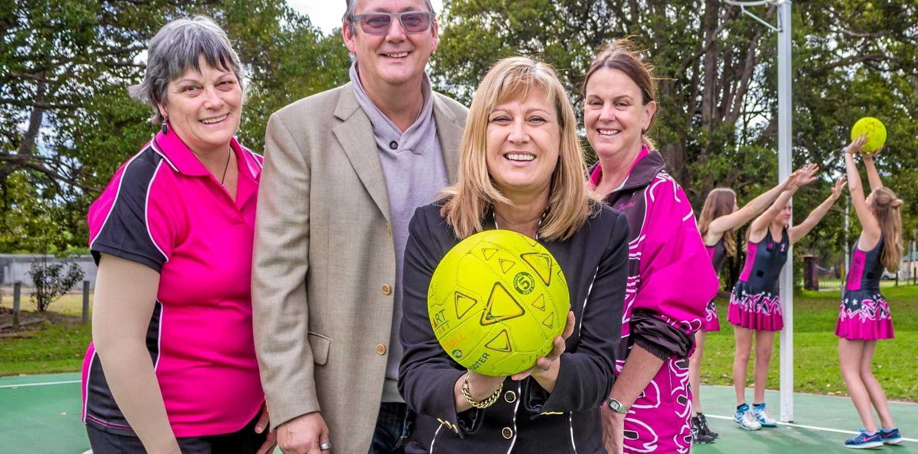 Richmond MP Justine Elliot with members of the Brunswick Byron Netball Association.