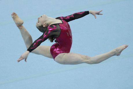 Lauren Mitchell during her gold medal-winning floor routine.