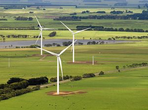 Wind farm tour not convincing for Cooranga north graziers