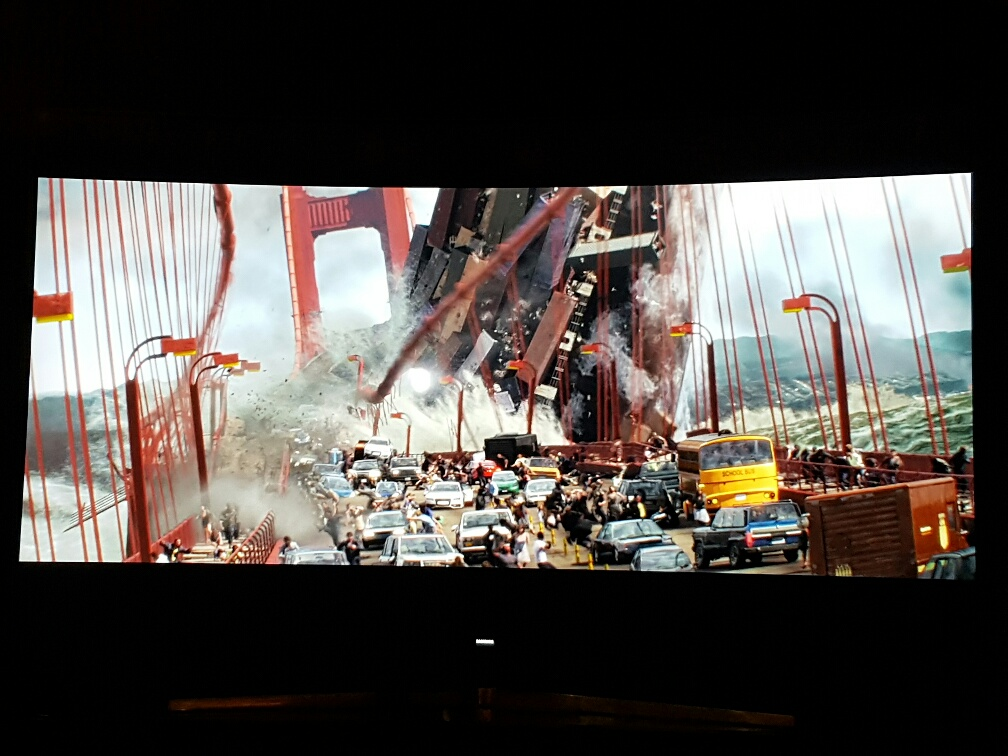 A scene from the HDR version of San Andreas on the Series 9 KS9500 Samsung television.