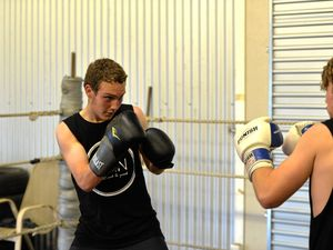 Mackay's boxers fight for suicide awareness