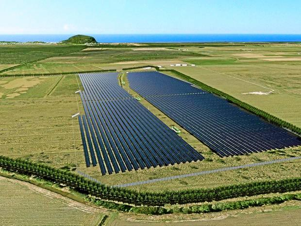 HARNESSING THE SUN: An artist's impression of 30Ha a solar farm at Valdora on the Sunshine Coast. The Isis River solar farm will be nearly 6 times the size.