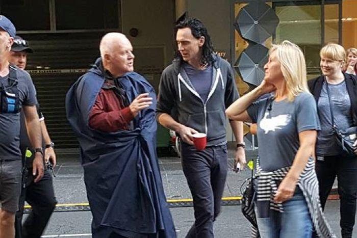 Sir Anthony Hopkins talks with Tom Hiddleston on the set of Thor: Raganok. Photo:  Jess Moller-Nielsen