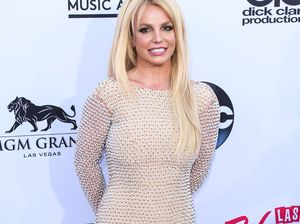Britney Spears 'almost drowned' in Hawaii
