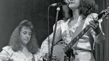 The Gottoni Sisters on main stage, 1989.