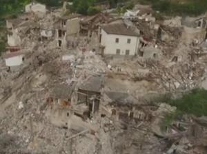 Italian Earthquake: Aftershocks send rescuers running