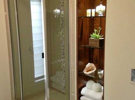 A touch of finesse as Matt Brady completes his renovation of a bathroom.