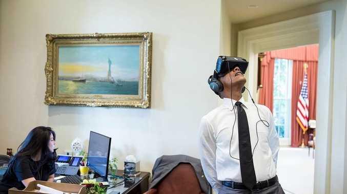US President Barack Obama ends up in a Photoshop battle on Reddit