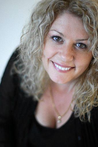 Dr Lynette Maguire.