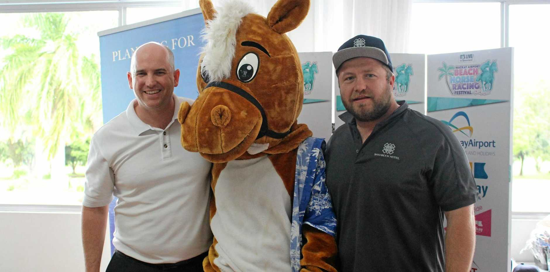 Damian Connors, races mascot 'Pumpa' and former Wallaby Benn Robinson.