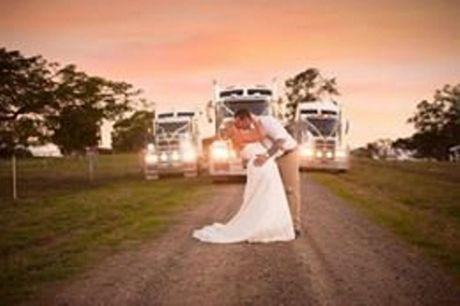 Zac N Nikki McLennan: Hands down Melissa Cooney Photography.
