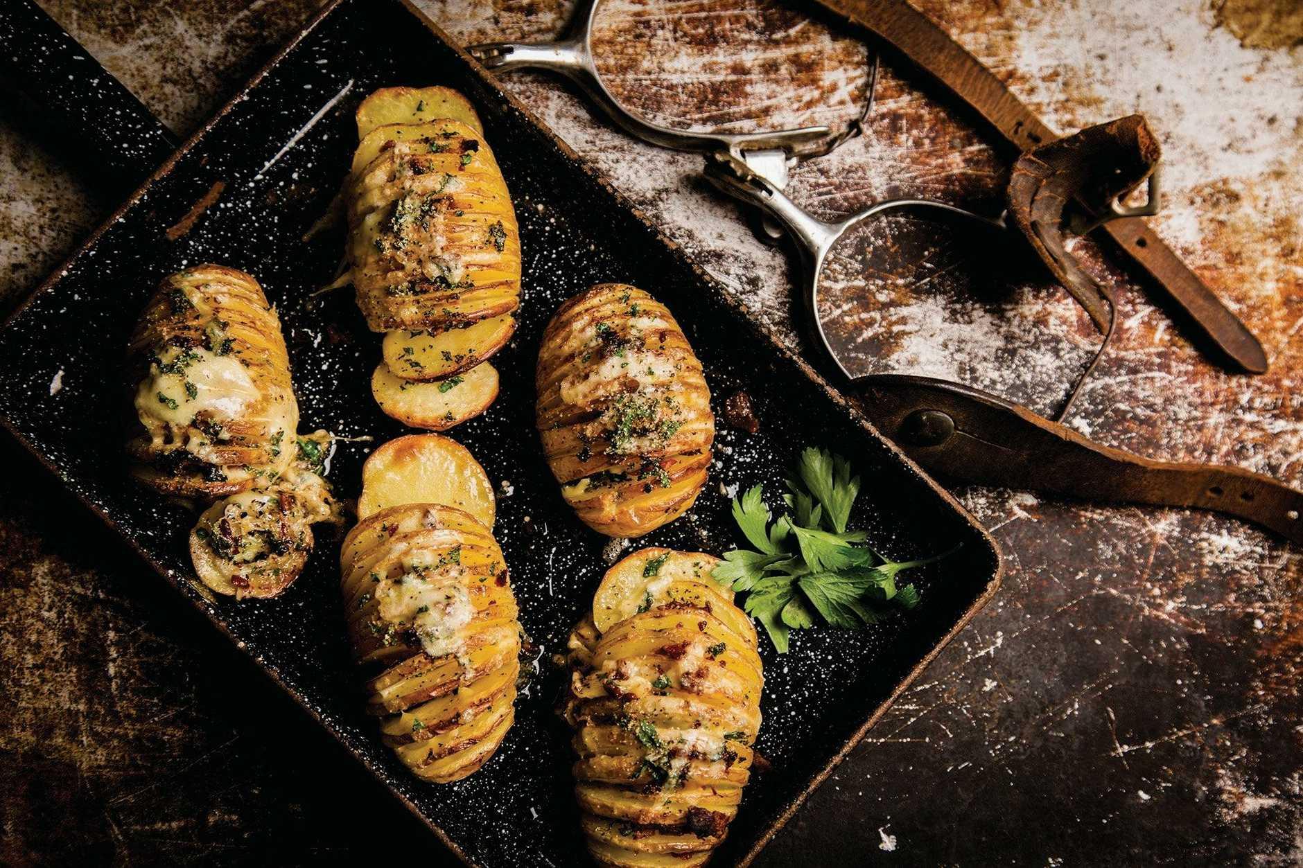 Potato Fans. Extract from Texan BBQ by Robert Louis Murphy,
