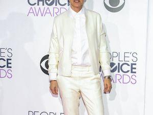 Ellen DeGeneres spoofs Magic Mike with all-female stars