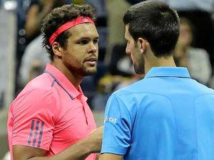 Djokovic given free pass to semis after Tsonga withdraws