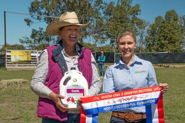 Wendy Cole, Kenrol Brahman Stud, Most Successful Exhibitor with Sponsor Clare Hay of Moura AgNVet