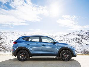 Hyundai celebrates its 30th with special Tucson and Santa Fe