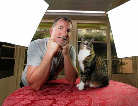 Robert Dollwet with his wonder cat Didga who has just broken a Guinness World Book of Records record.