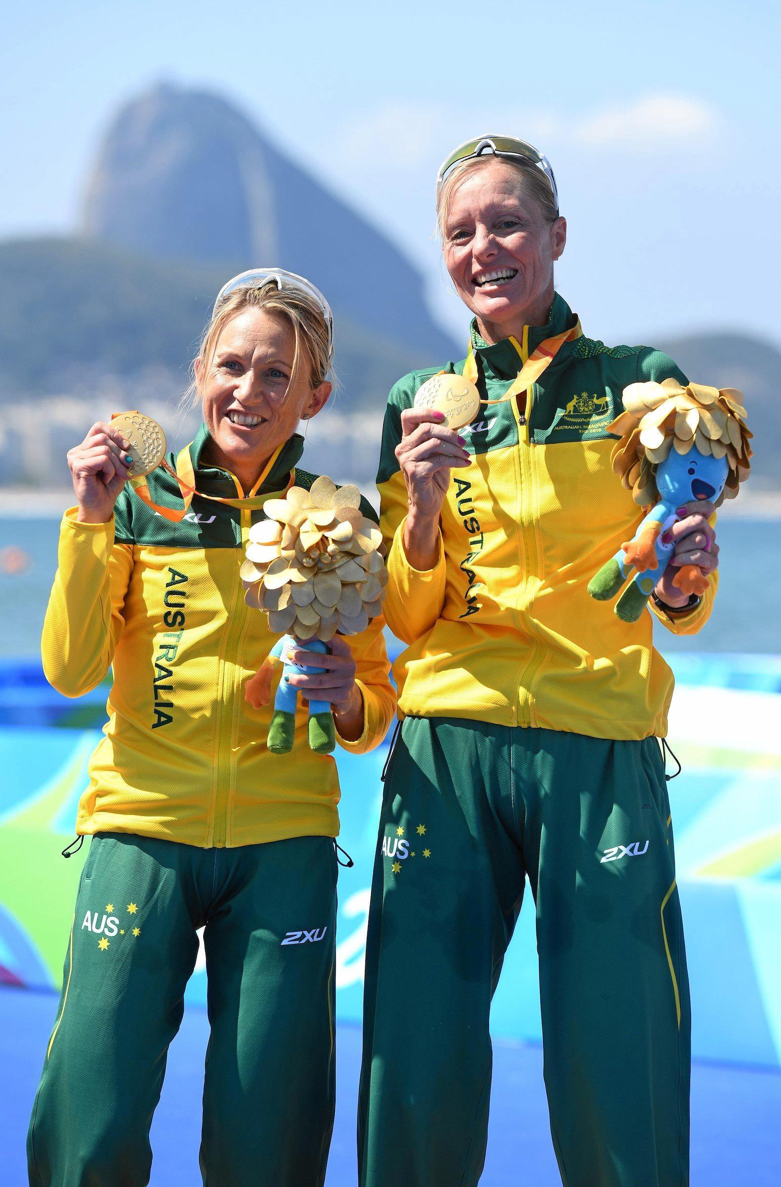 Para-triathlon gold medallists Katie Kelly (left) and Michellie Jones.
