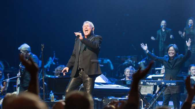 John Farnham will headline the 2017 Red Hot Summer Tour.