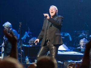John Farnham to headline 2017 Red Hot Summer Tour