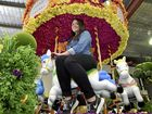 Amazing floral float to lead carnival parade