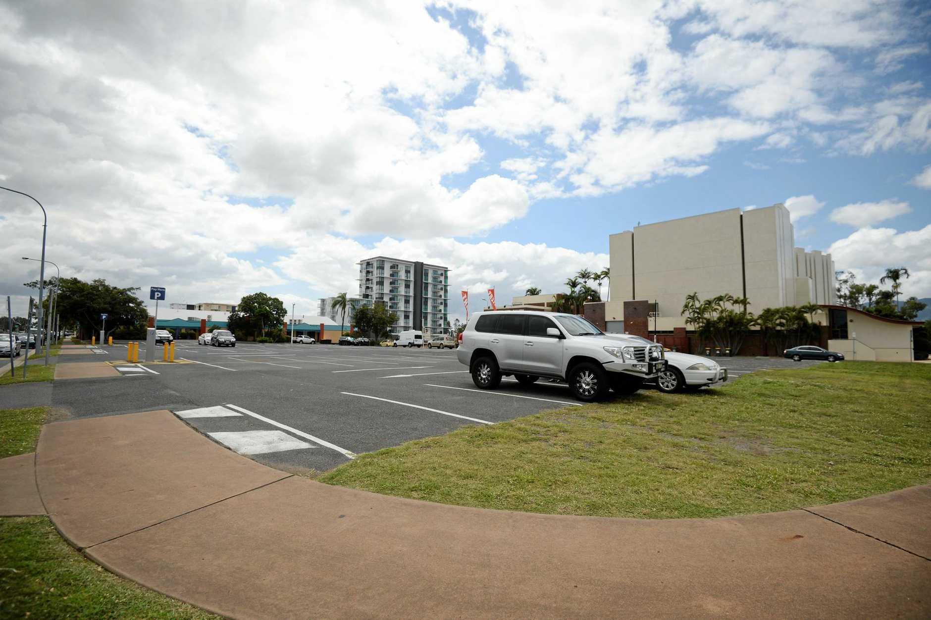 Pilbeam carpark 12:45pm.Photo Allan Reinikka / The Morning Bulletin