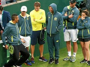 Rain fails to dampen Aussie spirit