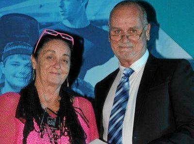 Vykee Bennett receiving her award.