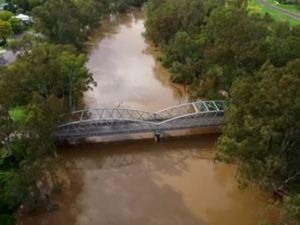 Drone over flooded waters: Spectacular footage