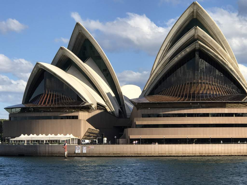 The Sydney Opera House comes up a treat with a little optical zoom on the Apple iPhone 7 Plus.