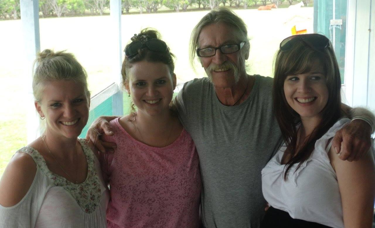 Pamela Wendt, Monica Loader, Craig Robertson (father) and Jessica Robertson.