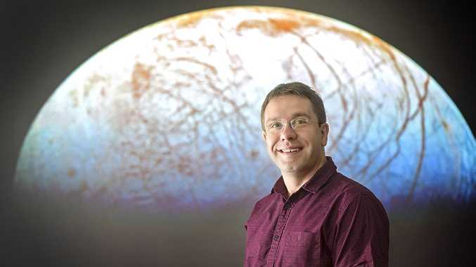 USQ Astronomer and Astrobiologist Associate Professor Jonti Horner will present a public lecturer on 'Exoplanets and Life Elsewhere' at the Melbourne Planetarium on Saturday.