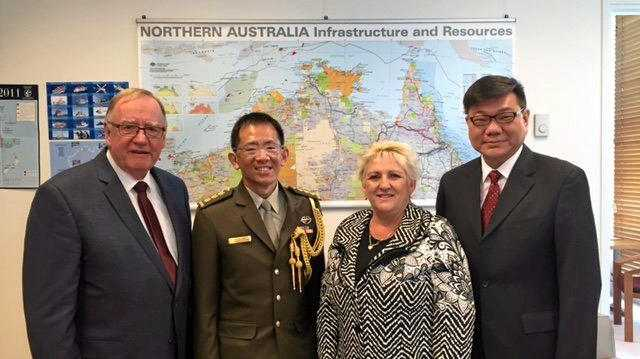Senator Ian Macdonald,High Commissioner of the Republic of Singapore Fook Seng Kwok, Michelle Landry MP and the High Commissions Defence Advisor, Colonel Lam Pei Sien.