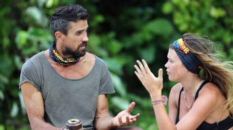 Lee Carseldine talks to Felicity 'Flick' Egginton in a scene from Australian Survivor.
